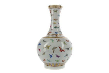A CHINESE POLYCHROME VASE