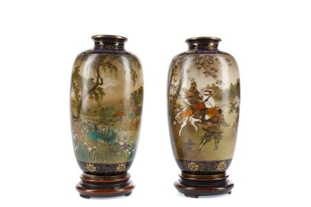 A PAIR OF EARLY 20TH CENTURY JAPANESE SATSUMA VASES