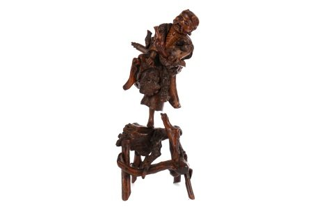 AN EARLY 20TH CENTURY CHINESE ROOTWOOD FIGURE