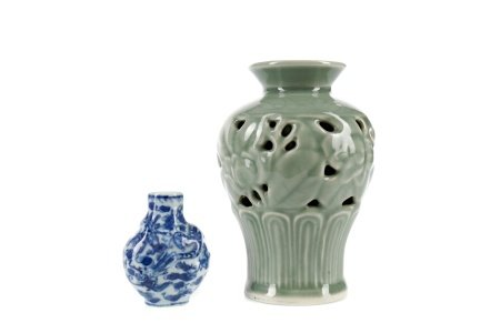 A 20TH CENTURY CHINESE CELADON VASE AND A SNUFF BOTTLE
