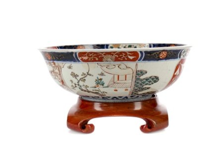 A 19TH CENTURY JAPANESE IMARI BOWL AND OTHER ITEMS