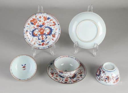 3 Chinese Imari cups / saucers