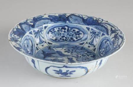 Rare Chinese Wanli klapmuts bowl Ø 21.2 cm.