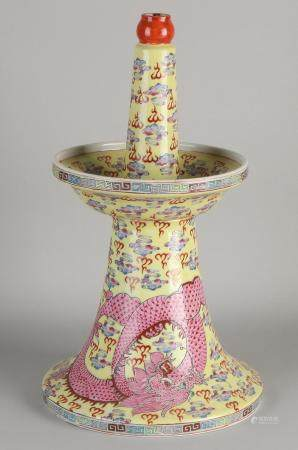Chinese porcelain oil lamp