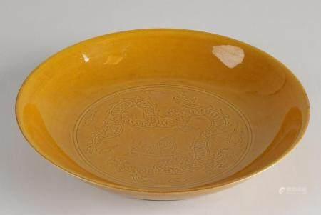 Chinese dragon dish Ø 22.3 cm.