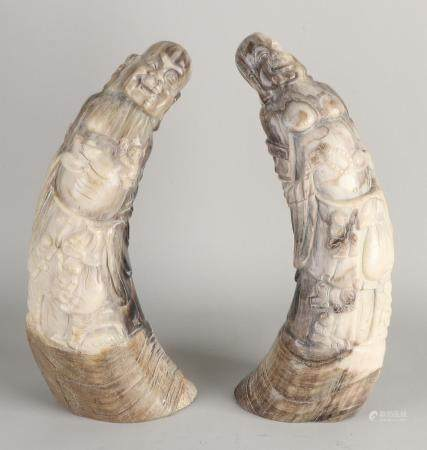 2 Chinese figures carved from buffalo horn