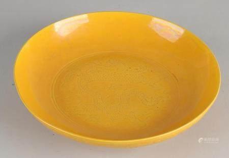 Chinese yellow saucer Ø 21.3 cm.