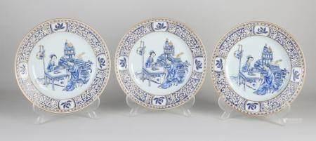 Three Chinese plates Ø 22.8 cm.