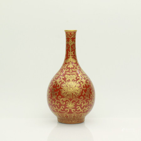 A Chinese Red Coral Glazed Porcelain Vase