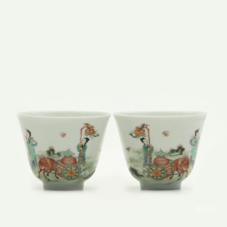 A Pair of Chinese Wucai Porcelain Cup