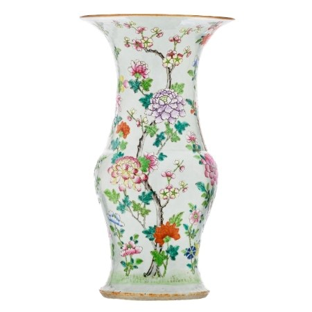 A CHINESE FAMILLE-ROSE 'FLORAL' VASE