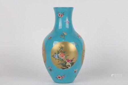 清雍正-藍地開窗金地花鳥瓶