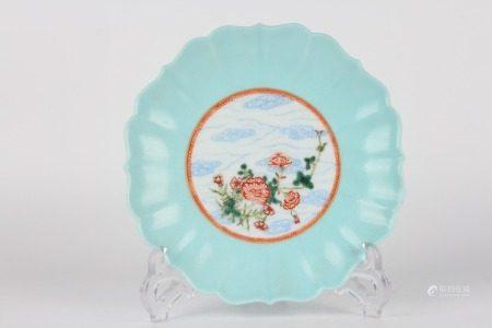 清雍正-湖藍地開窗花卉葵口盤