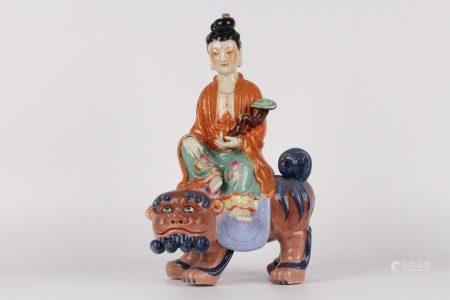 清乾隆-雕塑粉彩人物文殊菩薩擺件