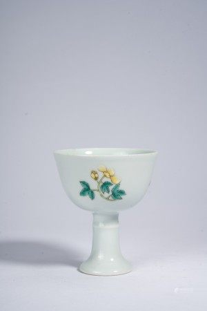 Chinese Famille Rose Flowers Stem Cup