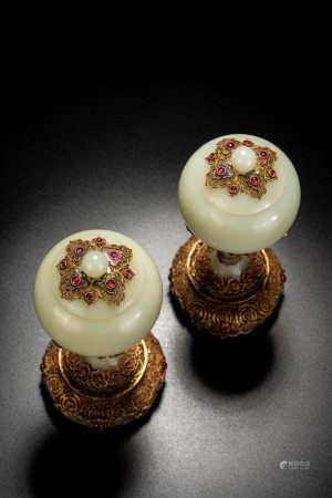 Fine Chinese White Jade Filigree Inlaid 'Dou' Vase Pair