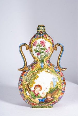 Chinese Famille Rose European Figures Double Gourd Vase