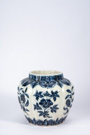 Chinese Blue and White Flowers Melon Jar