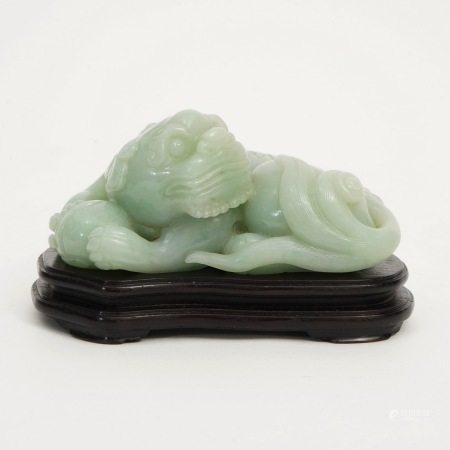 A jade lion, 19th century 19世纪翠玉狮