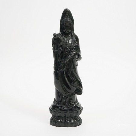 A standing jadeite Guanyin statue, 19th century 19世纪翠玉观音立像