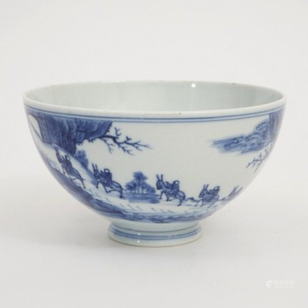 A chicken heart-shaped bowl with blue and white figures, Yongzheng period, Qing Dynasty 清雍正青花人物鸡心碗