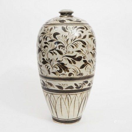 A Cizhou kiln vase with black flowers on white background, Jin Dynasty 金磁州窑白底黑花梅瓶
