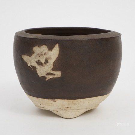 A piece of Jizhou kiln carved three-legged censer, Song Dynasty 宋吉州窑剔花三足炉