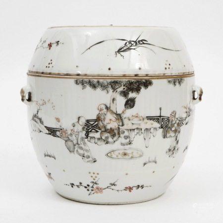 An ink color jar, Kangxi period, Qing Dynasty 清墨彩盖罐