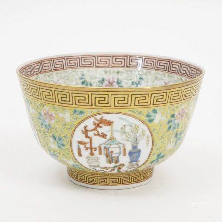 A famille rose bowl, Guangxu period, Qing Dynasty 清光绪粉彩碗