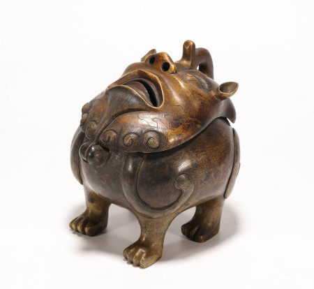 Copper censer in lion form from Qing 清代銅制獅面香薰