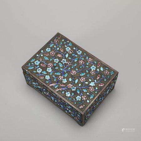 木胎包铜鎏银掐丝嵌珐琅缠枝花卉纹盒