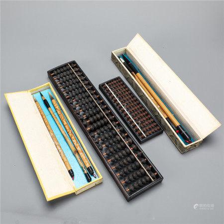大小算盘一对、毛笔两盒