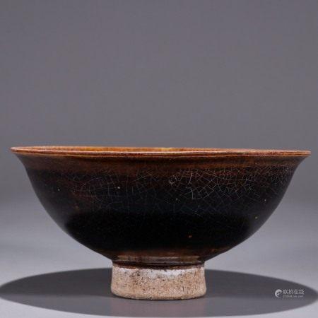 酱釉印花花卉纹碗