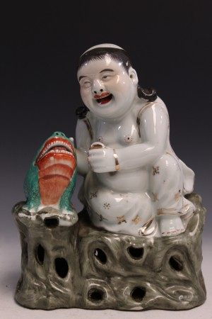 Chinese famille rose porcelain statue of Liuhai with a