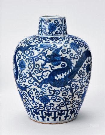 明嘉靖 龍紋瓶