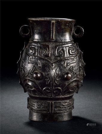 古銅饕餮纹壺