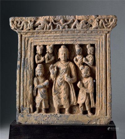 三~四世紀犍陀羅石雕釋迦與弟子群像