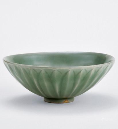 宋 龍泉窯青瓷蓮瓣碗