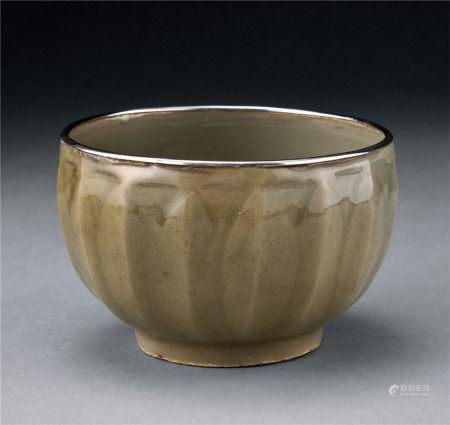 宋 龍泉窯蓮瓣鉢