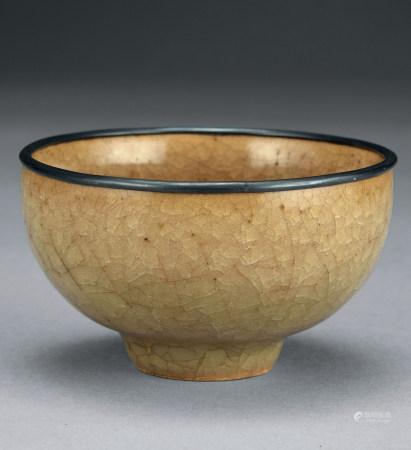 宋 龍泉窯米色釉杯