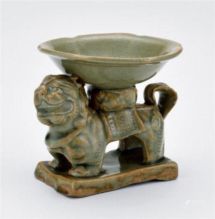 金 耀州窯青磁獅形燭臺