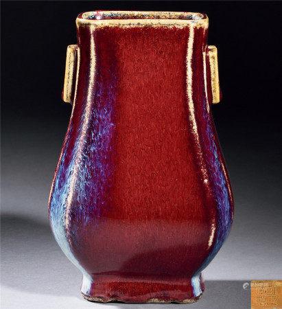 清 紅釉窯變貫耳瓶