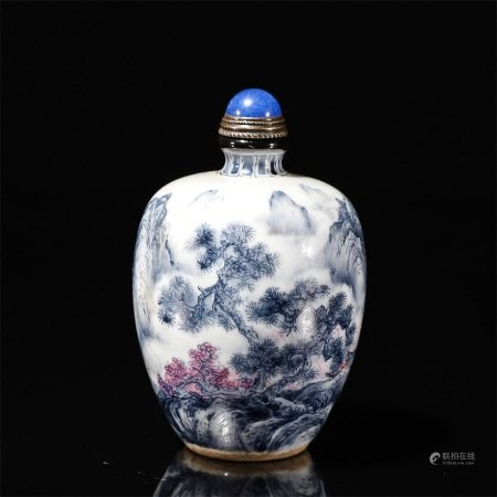 Chinese porcelain snuff bottle with landscape drawing