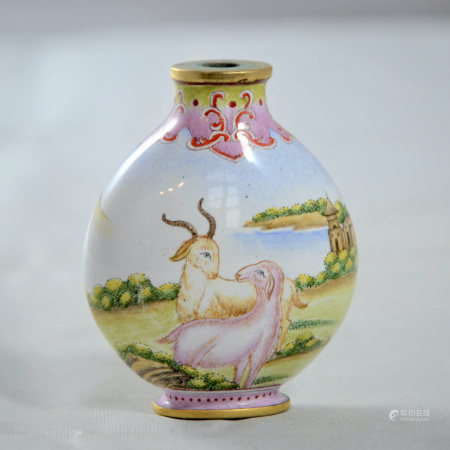 A CLOISONNE ENAMELED 'SHEEP' SNUFF BOTTLE