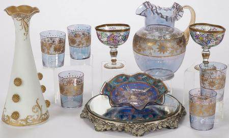 VINTAGE ART GLASS GROUP