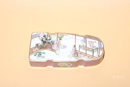 清乾隆 粉彩人物故事琴盒
