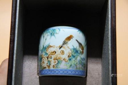 清雍正 粉彩花鳥紋罐