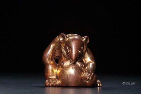 明 銅鎏金熊擺件