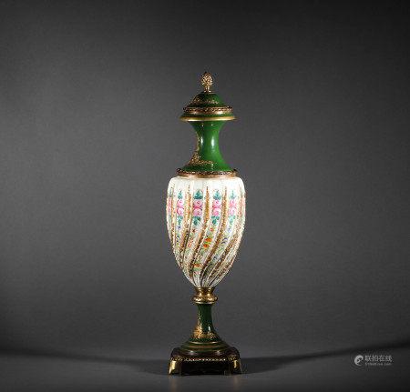 A famous Italian Porcelain Ornament意大利名瓷擺件