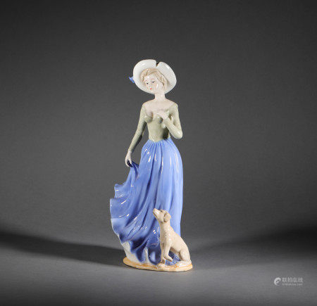 A Famous European Porcelain Figure Ornament歐洲瓷人物擺件